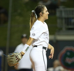 best service 80aa5 ced69 College softball rankings: Florida Gators reclaim top spot ...