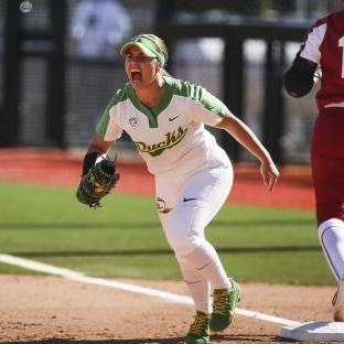 College softball: Oregon blanks No. 2 Oklahoma, snaps Sooners' 30-game win streak